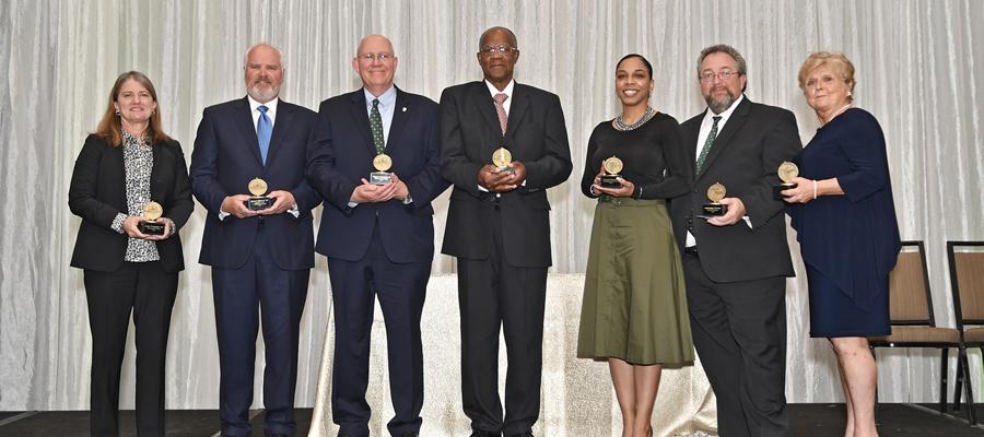 Call for Alumni Award nominations