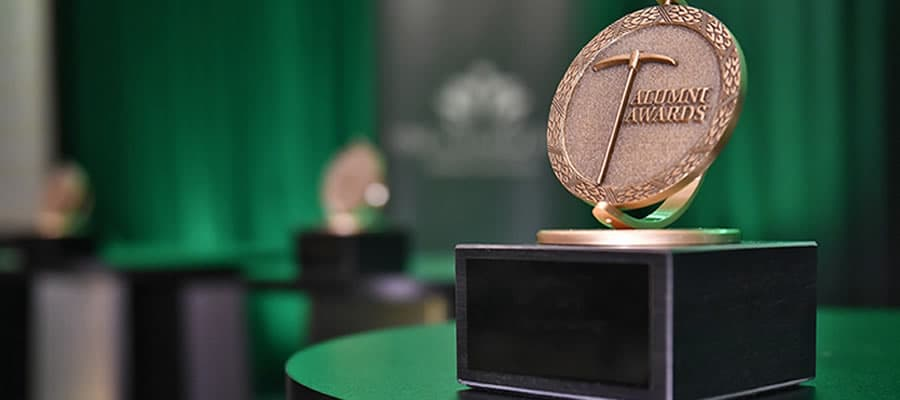 Celebrate the 2019 Alumni Award recipients