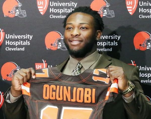 best sneakers e0d6b 6198e Ogunjobi becomes first 49er taken in NFL Draft | Inside UNC ...