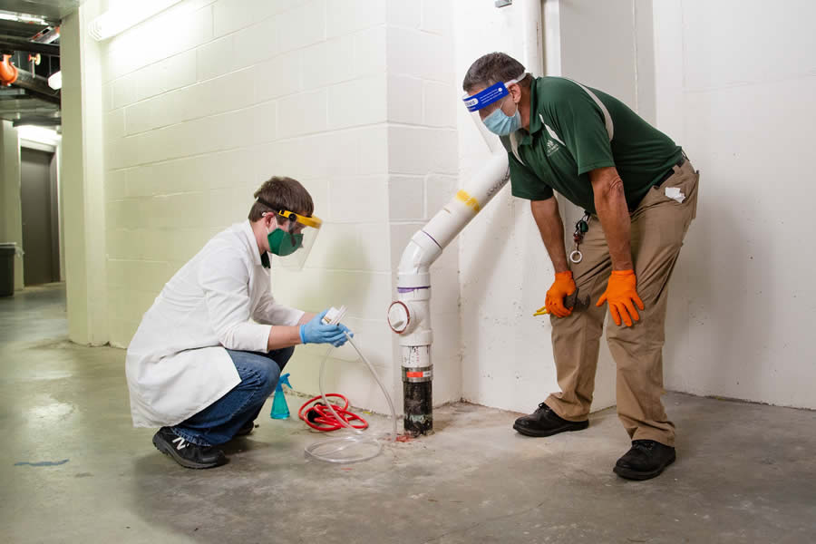 UNC Charlotte's pandemic response receives 2021 AASCU Excellence and Innovation Award